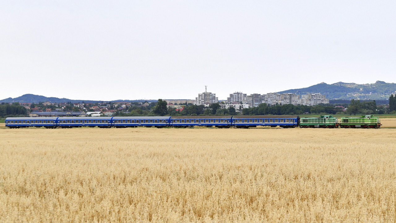 Hungary agriculture-train-land