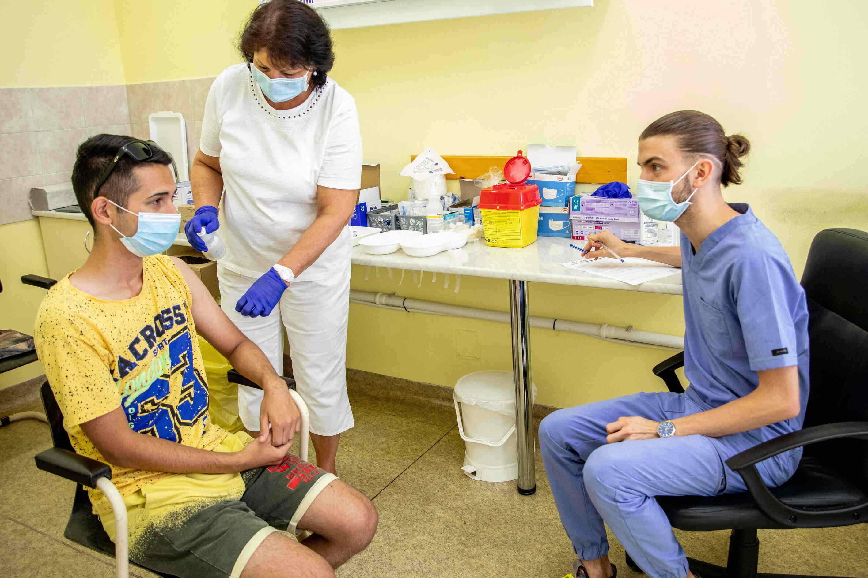 vaccine in hungary