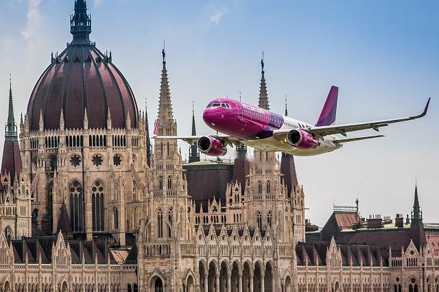 wizz air over budapest