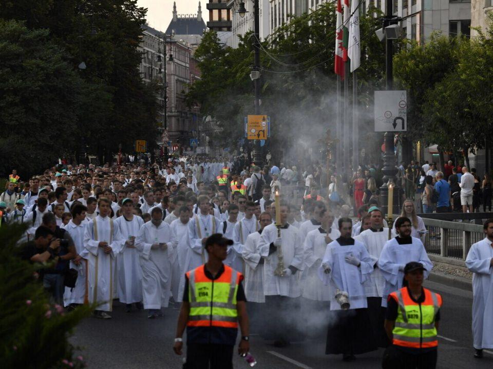 52nd-International-Eucharistic-Congress-13