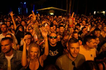 Crowd-Balaton-restriction