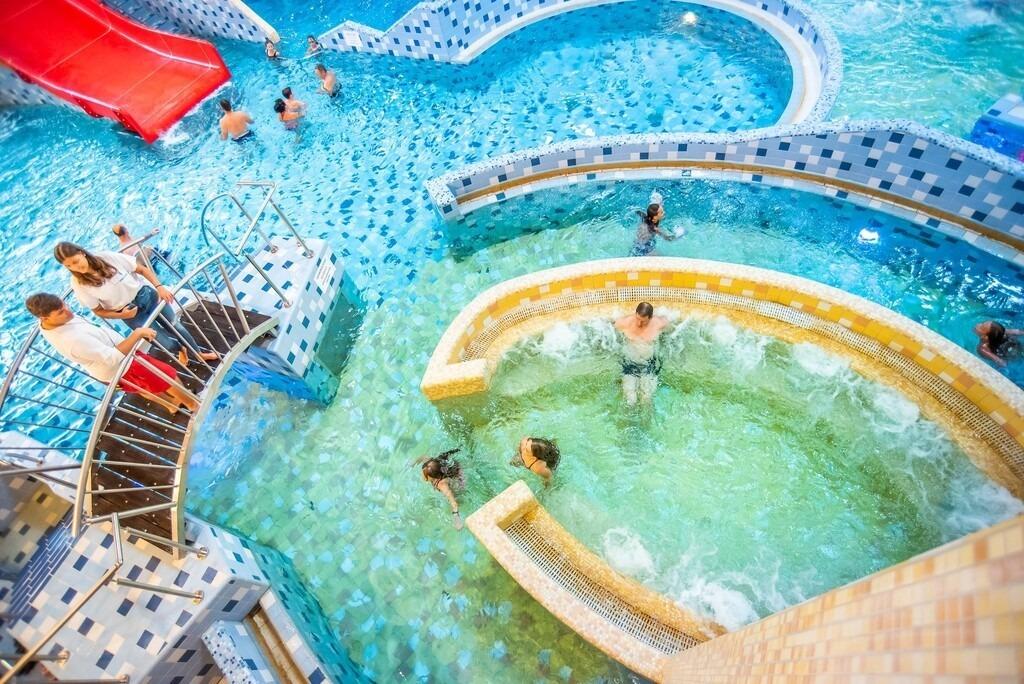 Harkany-thermal-spa-adventure-pool