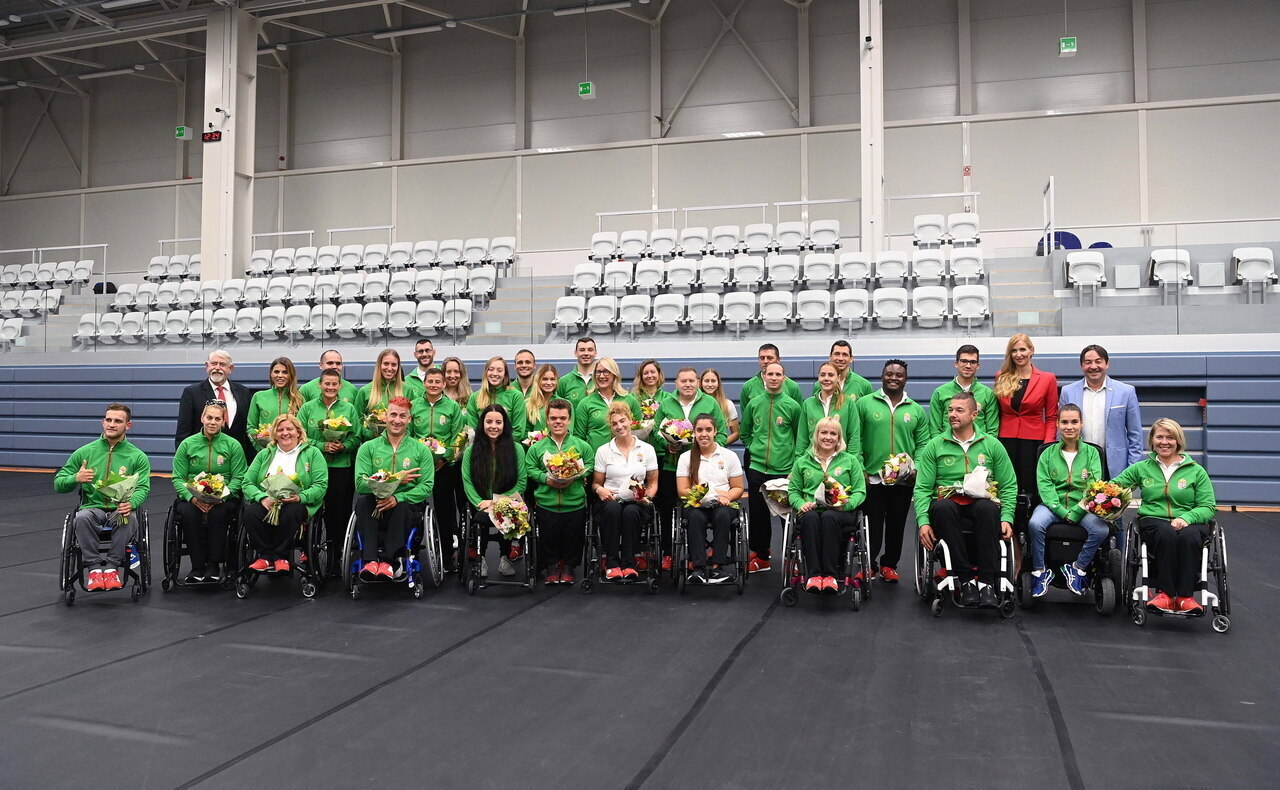 Hungarian Paralympic team bringing 16 medals home celebrated in Budapest