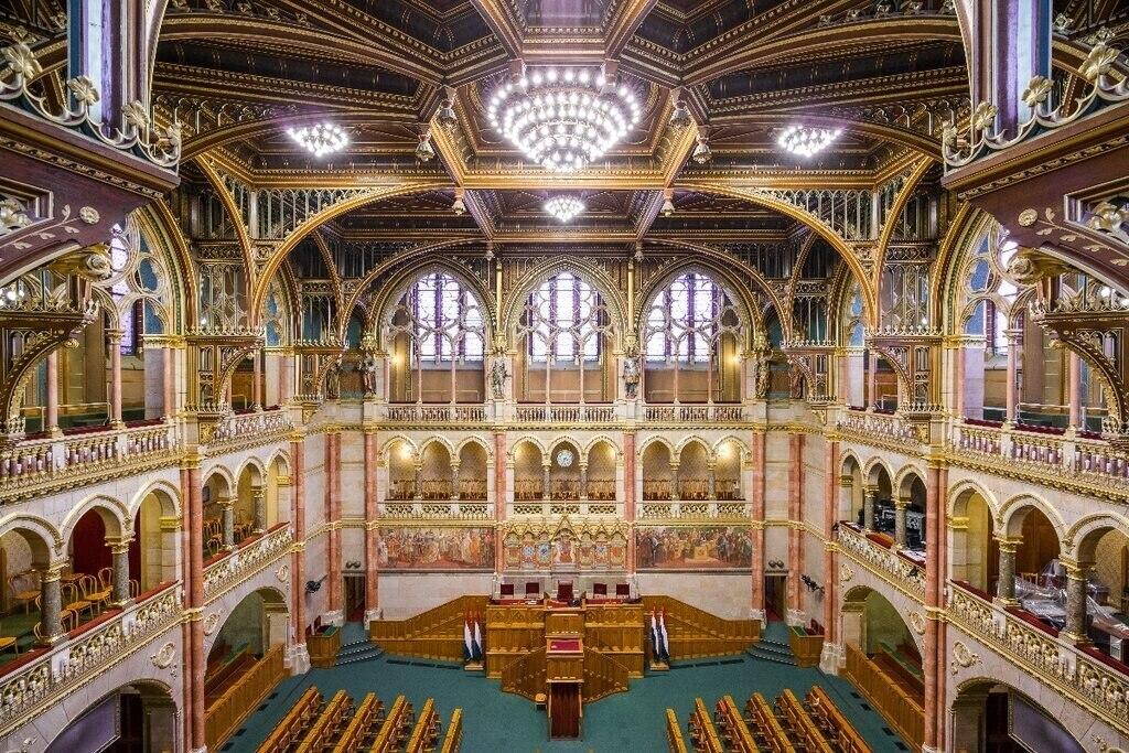 Hungarian Parliament Interior 2