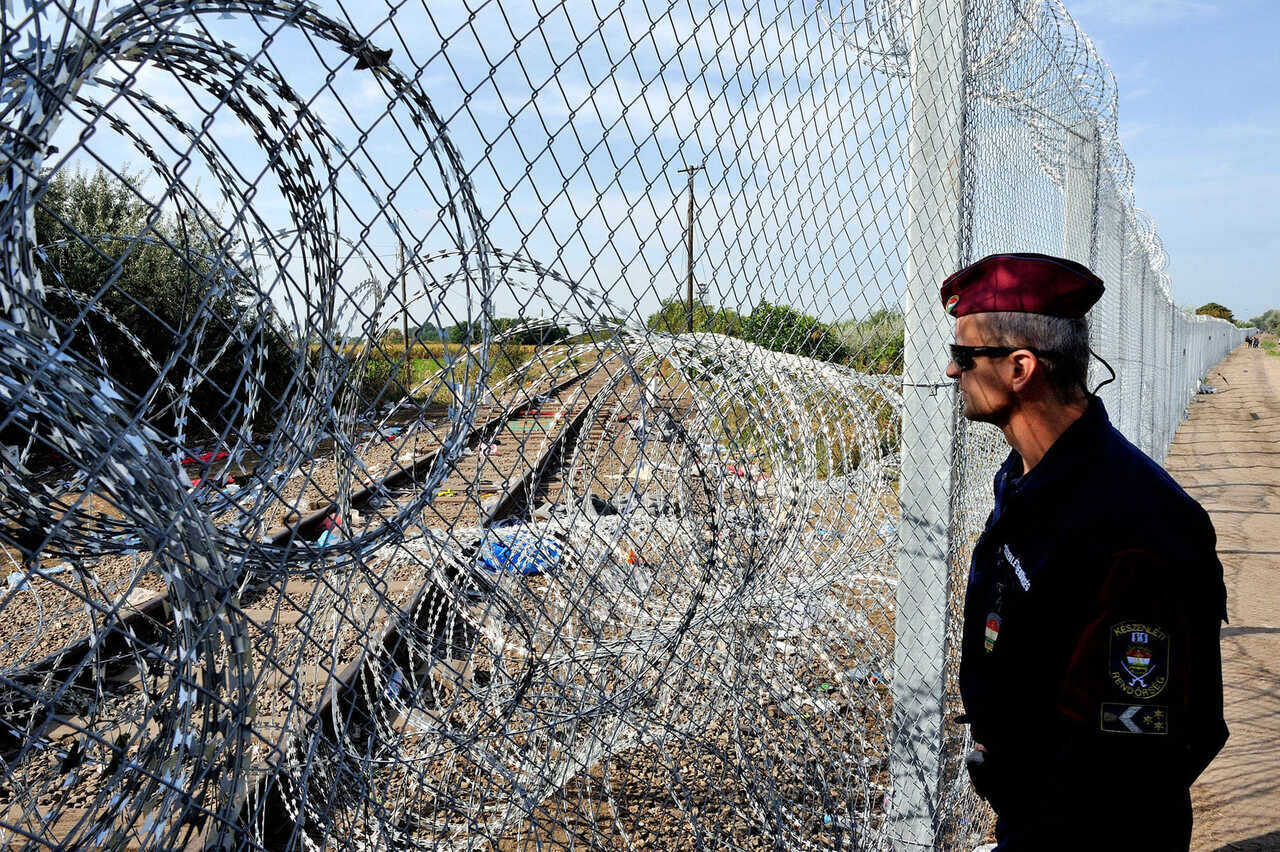 Hungary Border Fence Migration Illegal