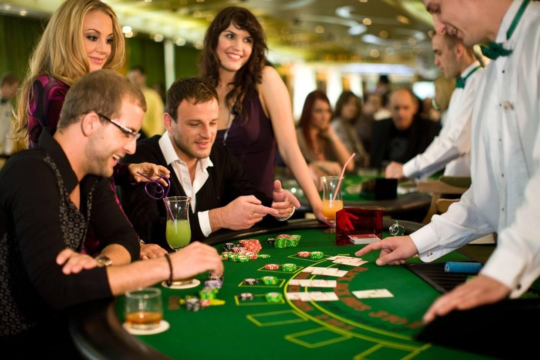 Hungary casino government