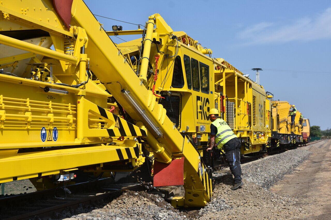 Hungary-train-railway-China
