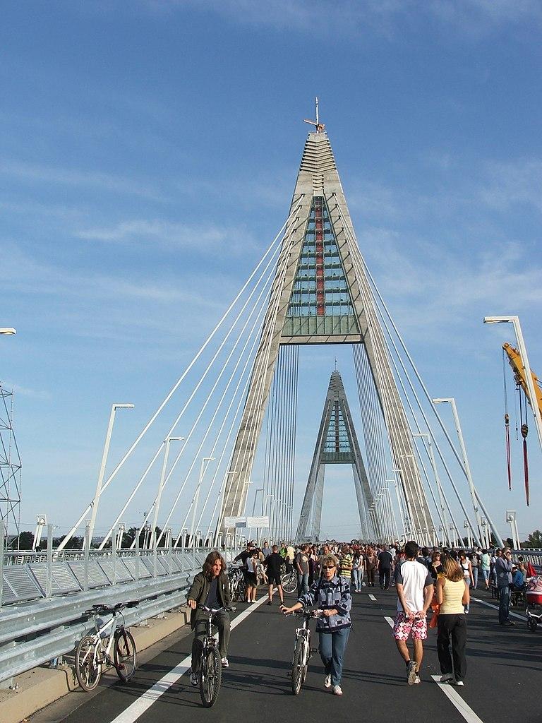 Megyeri Bridge híd 2