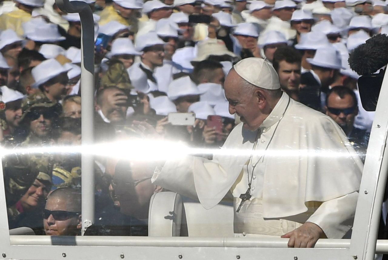 Pope-Francis-Closing-Mass-2