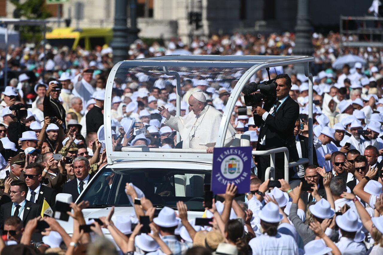 Pope-Francis-Closing-Mass-3