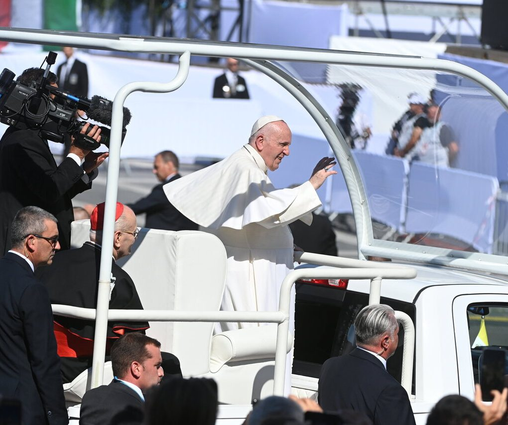 Pope-Francis-Closing-Mass-4