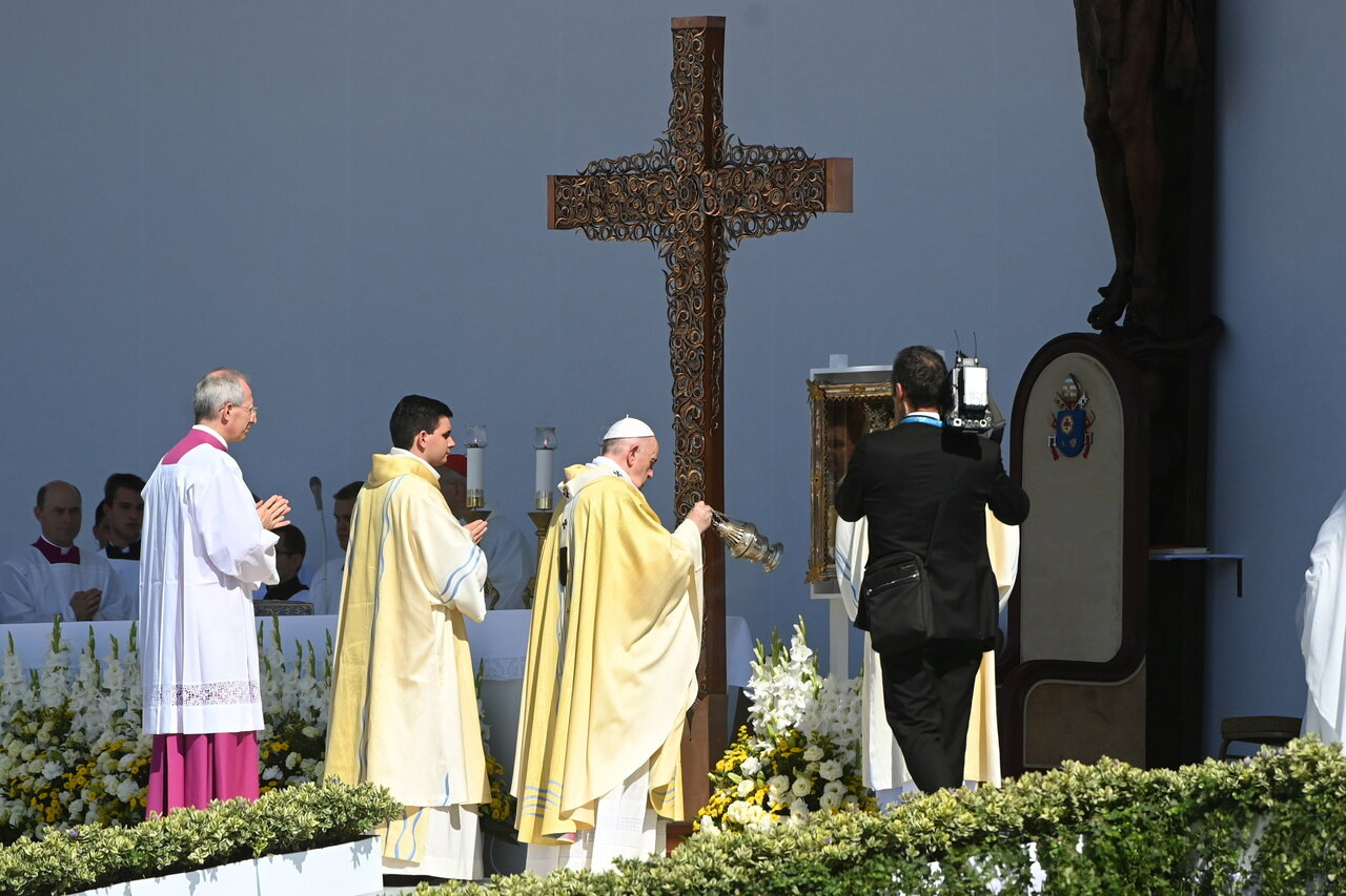 Pope-Francis-Closing-Mass-6