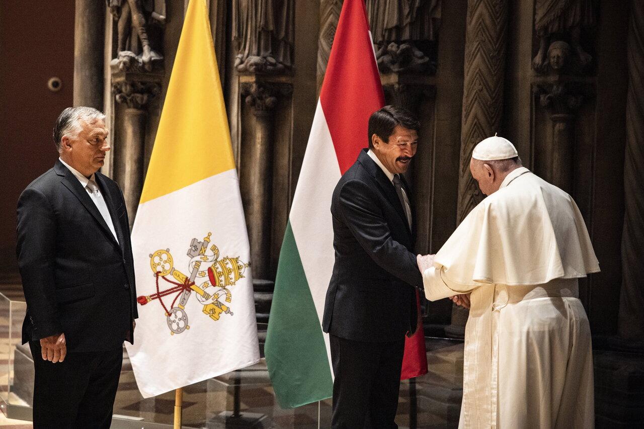 Pope-Francis-Closing-Mass-7