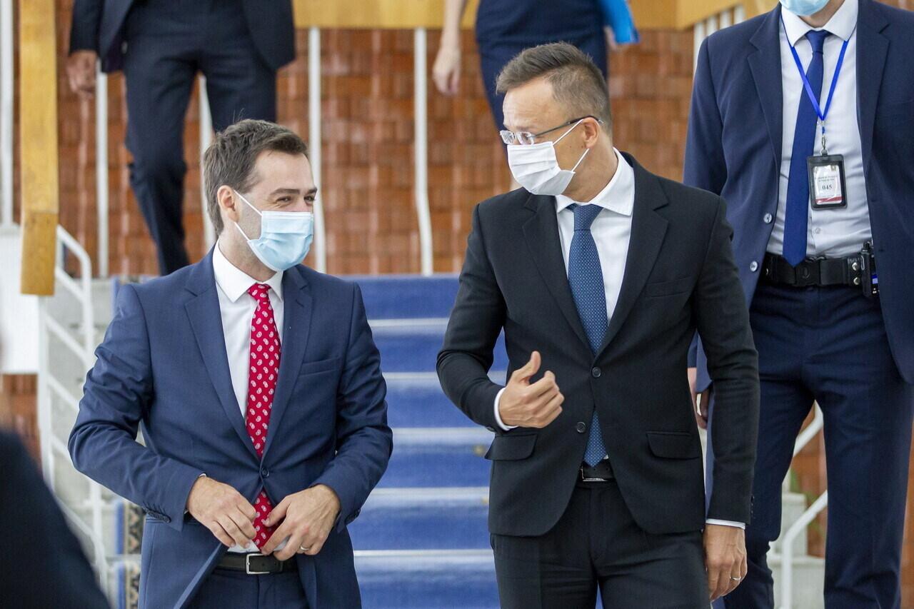 Szijjártó Moldova Ventilators Nicu Popescu 2 Resized