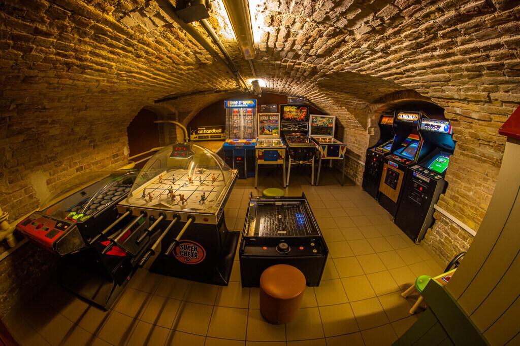Budapest Pinball Museum5